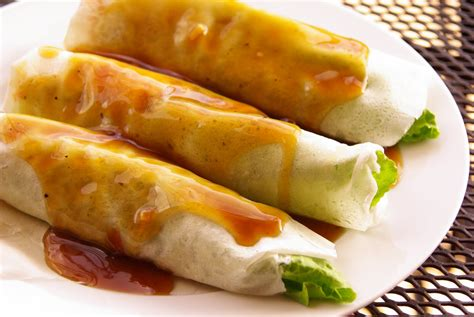 what does the word cuisine the history of lumpia noczkus