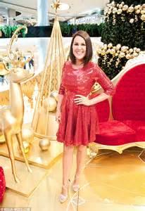 australian actress julia morris julia morris helps families visit santa in westfield
