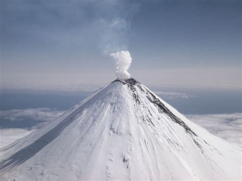 volcano national geographic society