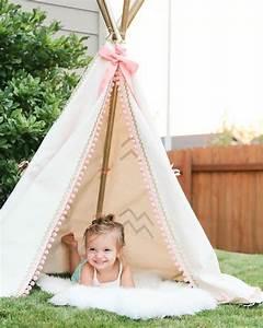 Tipi Petite Fille : comment fabriquer un tipi 60 id es pour une tente indienne sympa ~ Teatrodelosmanantiales.com Idées de Décoration