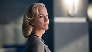 'Arrow': Susanna Thompson on Moira's Death | Hollywood ...