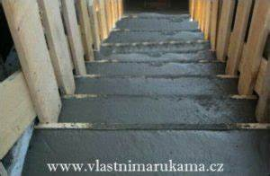 Betonování schodiště postup