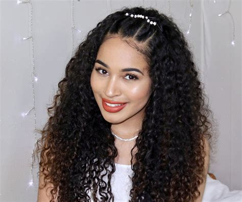 easy curly prom hairstyle great for naturally curly hair