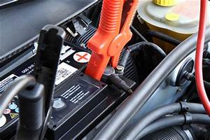 Autobatterie Wechseln Anleitung : starthilfe geben anleitung zum fremdstarten eines autos ~ Watch28wear.com Haus und Dekorationen