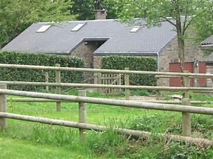 Piquet En Bois Pour Cloture : piquet cl ture chevaux ~ Farleysfitness.com Idées de Décoration