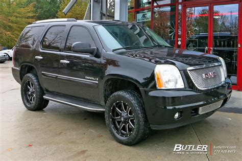 gmc yukon   fuel maverick wheels exclusively