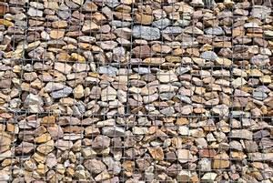 Zaun Mit Steinen Gefüllt Preis : ein zaun mit steinen gef llt so integrieren sie gabionen ~ Whattoseeinmadrid.com Haus und Dekorationen