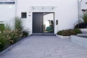 Gartengestaltung Hang Modern : heim galabau moderne gartengestaltung am hang ajotie ~ Lizthompson.info Haus und Dekorationen