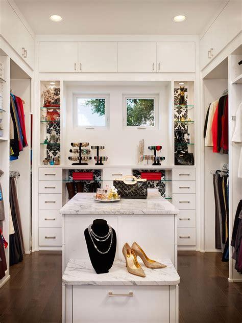 Women Walk Closet Design Ideas