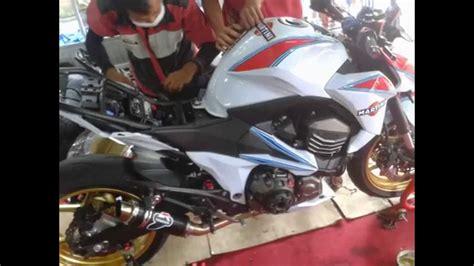Modification Kawasaki Z800 by Kawasaki Z800 Modification Transformation Paint