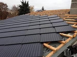 Solar Auf Dem Dach : die auf dem dach verlegten pv dachschindeln home energy pinterest solar solar roof and ~ Heinz-duthel.com Haus und Dekorationen