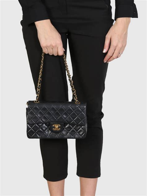 chanel vintage small classic flap lambskin black