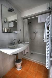 petite salle de bain 30 idees damenagement With idee pour petite salle de bain