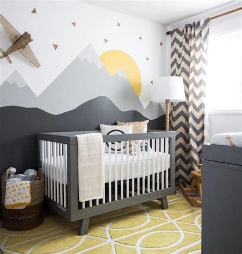wandgestaltung kinderzimmer grau babyzimmer in grau und gelb interessante wandgestaltung