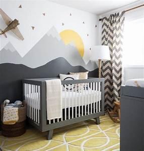 Kinderzimmer Wandgestaltung Ideen : babyzimmer in grau und gelb interessante wandgestaltung kinderzimmer pinterest ~ Orissabook.com Haus und Dekorationen
