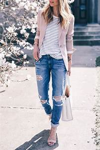 Blush blazer and boyfriend jeans | The Everygirl GETS DRESSED | Pinterest | Outfit Kleidung und ...