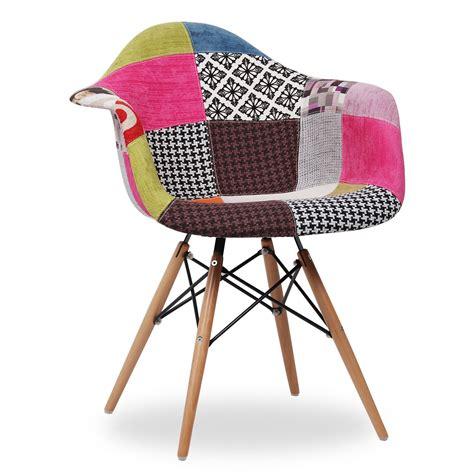 chaise eames patchwork la chaise wooden est un des modèles les plus populaires en