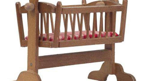 crib vs bassinet mini crib vs bassinet mini crib vs standard crib how to