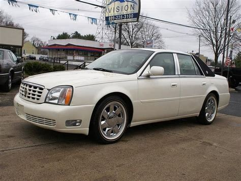 2000 Cadillac Deville Photos, Informations, Articles