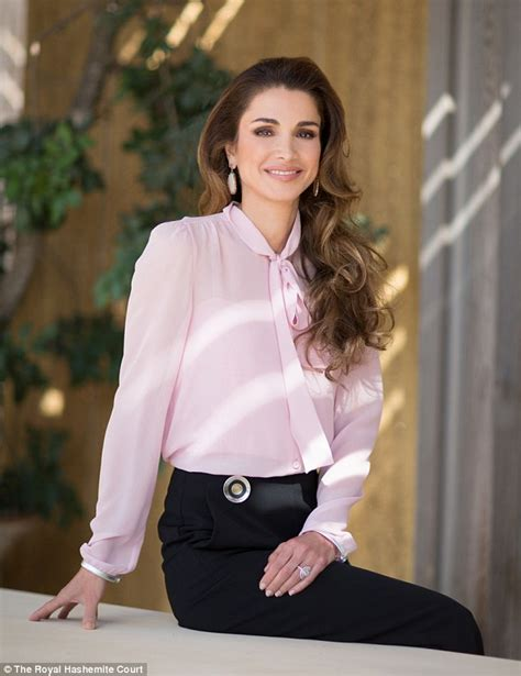 Queen Rania Of Jordan Releases Official Portrait To Mark 46th Birthday Daily Mail Online