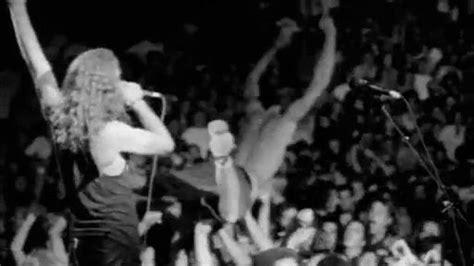 Eddie Vedder Stage Dive - pearl jam twenty premieres on pbs eddie vedder reflects