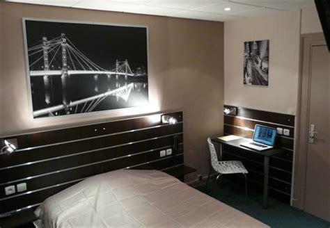 Hotel De Londres** à Lille
