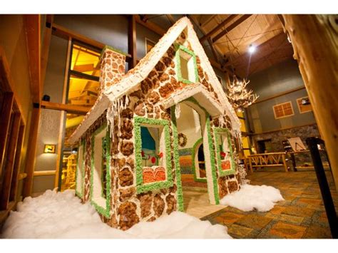 dine   life size gingerbread house fn