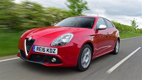 Alfa Romeo Giulietta Hatchback Review Carbuyer