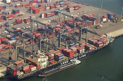pays bas le port de rotterdam le plus grand d europe s 233 tend vers la mer l express