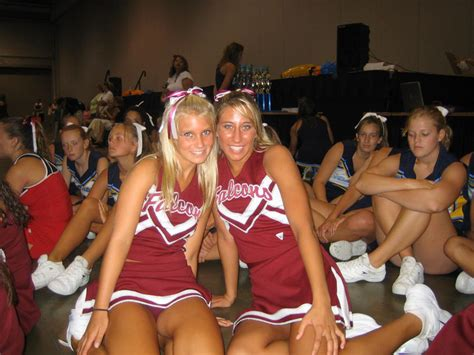cheerleaders showing      pom poms updated  page  sharejunkies