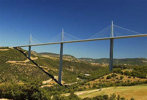 viadukt von millau verkehrsberuhigung  ganz ganz