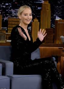 Jennifer Lawrence And Jimmy Fallon Throw Axes Daily Mail