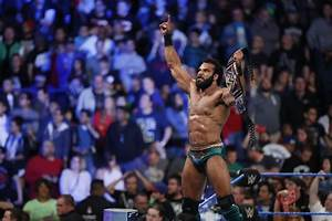 WWE: Jinder Mahal explains booing situation with Bret Hart ...  Wwe