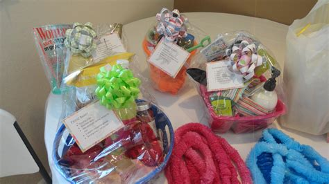 favors gifts creative wedding shower prizes inspiration