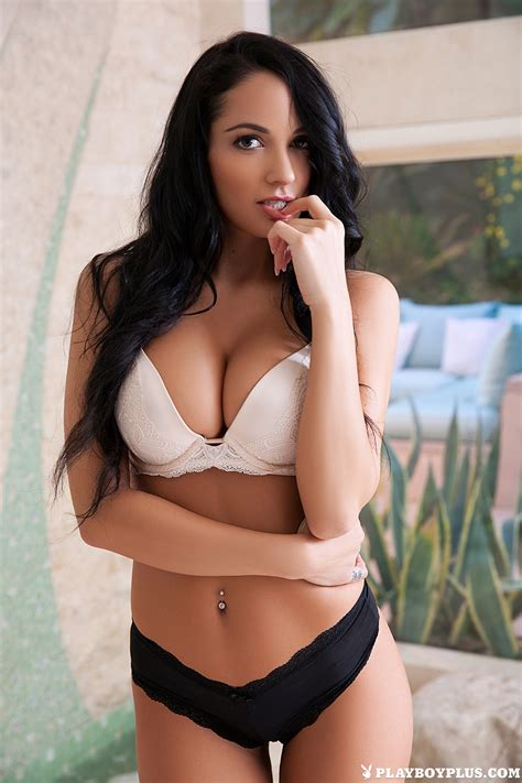 Hailey Lynzz Naturally Blessed Playboy - Curvy Erotic