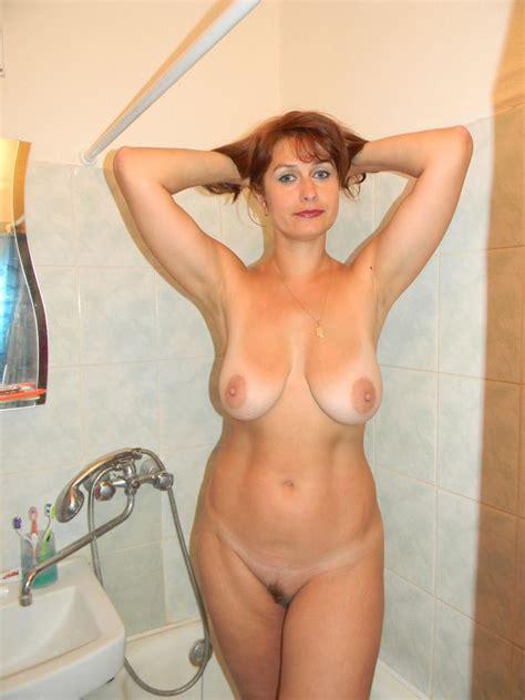 Quick Shower Milf Luscious
