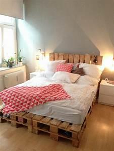 Bett Aus Paletten Anleitung : 52 diy palettenbett designs m bel schlafzimmer zenideen ~ Markanthonyermac.com Haus und Dekorationen