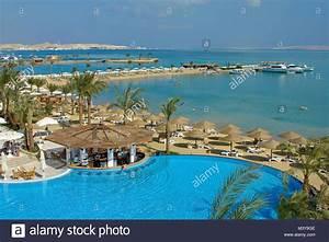 Grand Resort Hurghada Bilder : egypt hurghada grand azur hotel the swimming pool and the red sea stock photo 174547870 alamy ~ Orissabook.com Haus und Dekorationen