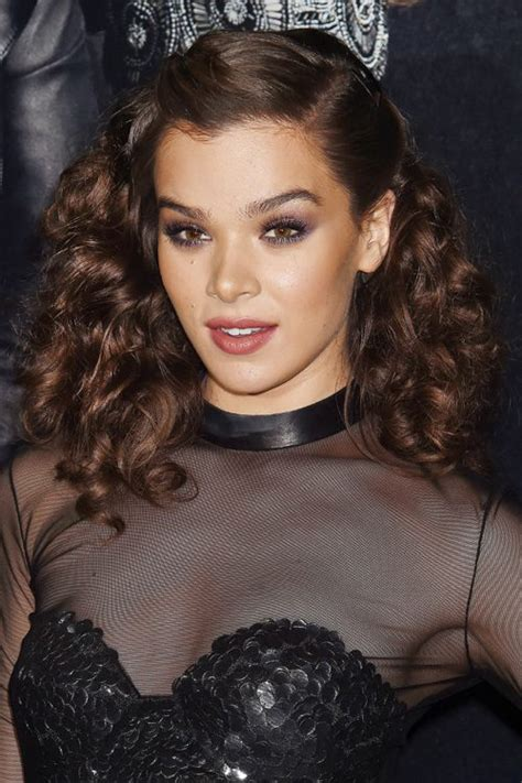 hailee steinfelds hairstyles hair colors steal  style