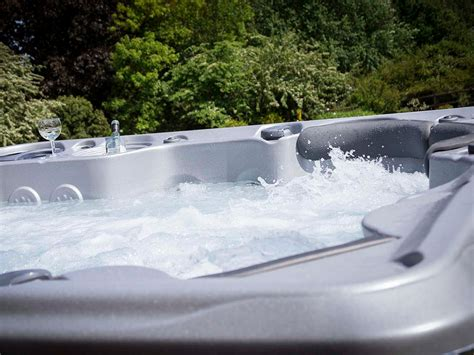 Hot Tub : What Are The Best Types Of Hot Tubs?