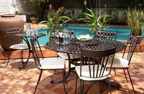 tables en mosaique marocaine