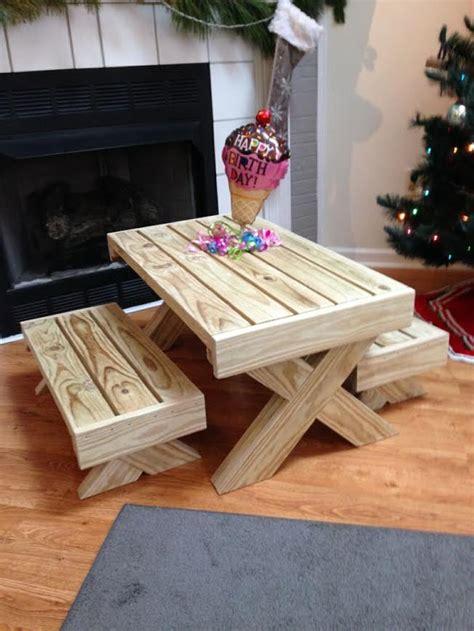 cute kids furniture   wooden pallets