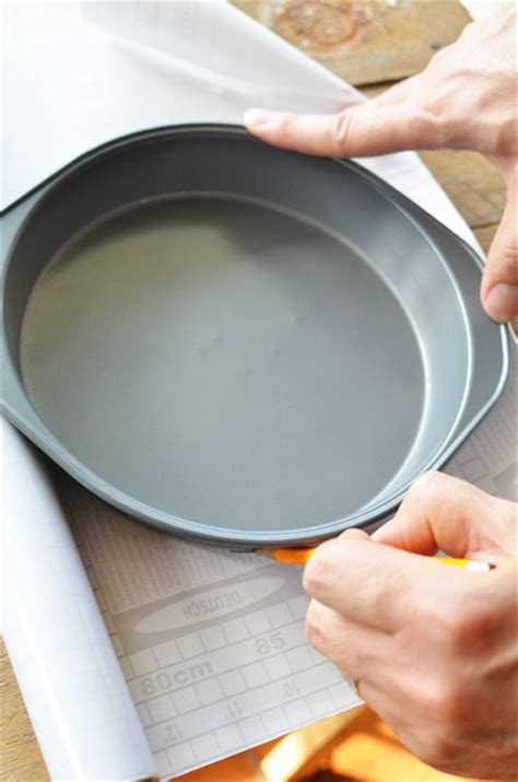 How To Make Stepping Stones  With A Cake Pan
