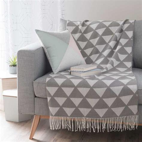 plaid canapé gris 1000 idées sur le thème plaid pour canapé sur