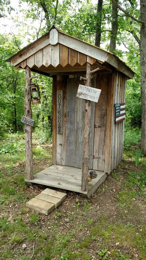 Outhouse Bathroom Ideas by Best 25 Outhouse Ideas Ideas On