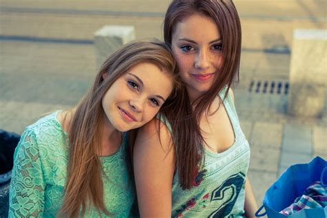 Awesome Best Friend Songs That Celebrate the Beautiful Bond