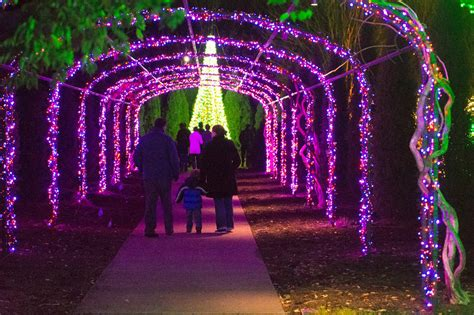 the best christmas lights displays in and around nashville