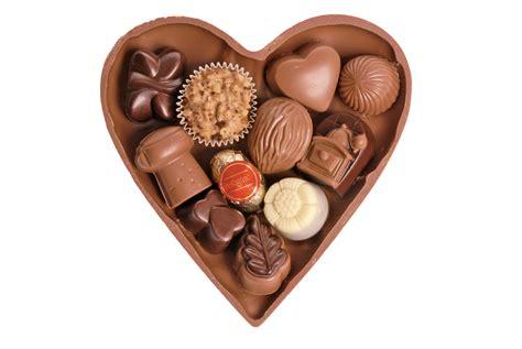 schokoladenherz mit pralinen schokoladenlandde