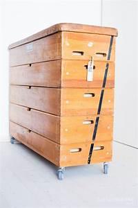 Möbel Aus Turngeräten : die gro e kommode aus einem kompletten turnkasten ~ Michelbontemps.com Haus und Dekorationen