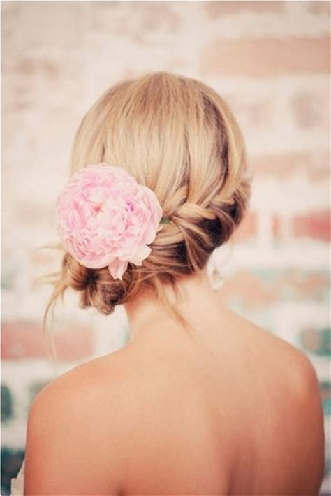 fantastic beach wedding hairstyles  flower